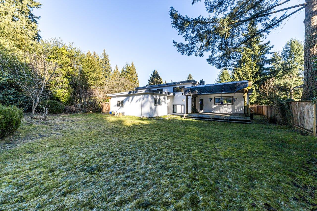 712 St. Anderson Crescent, West Vancouver, V7T 1S5